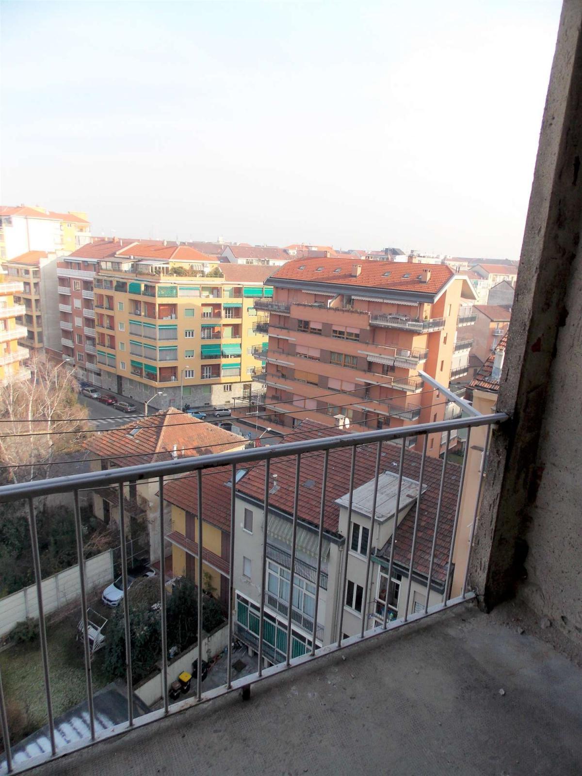 Foto 7 di Trilocale Corso Sebastopoli, Torino